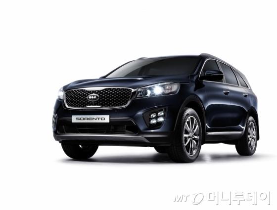 기아차는 9일 중형 SUV 쏘렌토의 가솔린 모델을 출시하고 본격적인 판매에 돌입한다고 밝혔다. /사진제공=기아자동차