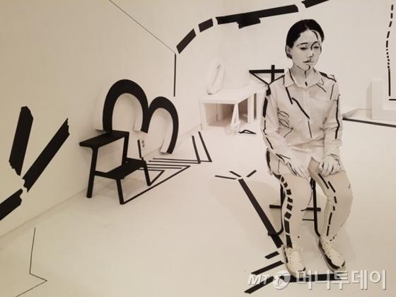 유현미 작가의 '수학자의 시선'. 사비나미술관의 이번 전시는 4월 7일까지 이어진다. /사진=박다해 기자