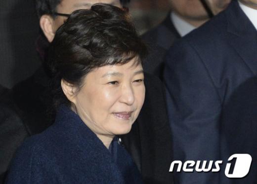 [사진]박근혜 전 대통령 '소명 마무리 못해 죄송'