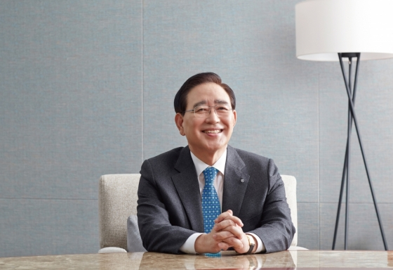 """'유종의 미' 한동우 신한금융 회장 """"신한 미래 위해 퇴임"""""""
