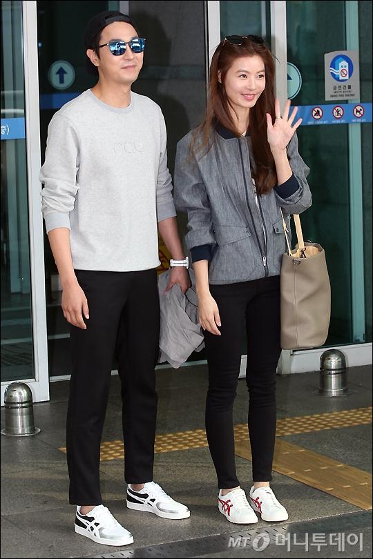 [★화보]윤소이-조성윤, 달달한 '예비부부'