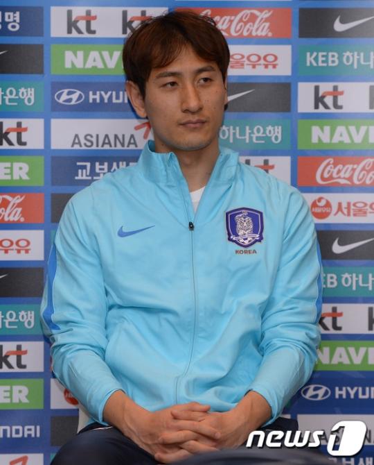 20일 기자회견에 임한 지동원. /사진=뉴스1<br /> <br />