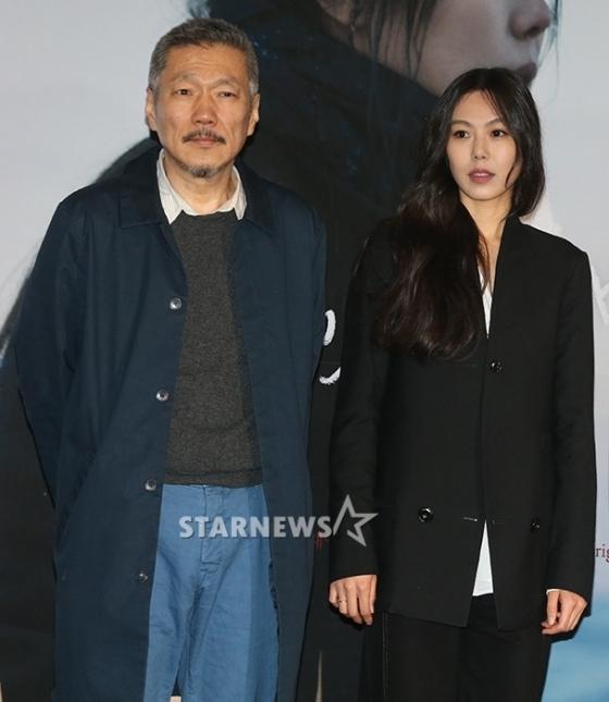 홍상수 감독(왼쪽)과 배우 김민희. /사진=이기범 기자