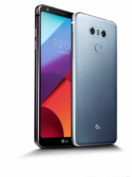 LG가 지난 10일 출시한 전략스마트폰 'G6'. /사진제공=LG전자
