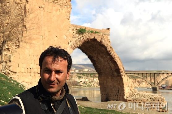 하산케이프 지킴이를 자처하는 압둘라/사진=이호준 시인·여행작가