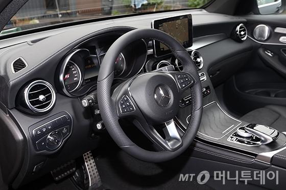 [사진]'더 뉴 GLC 쿠페'의 운전석