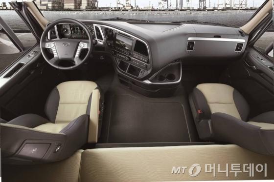 현대차 '엑시언트' 운전석 이미지/사진=현대차