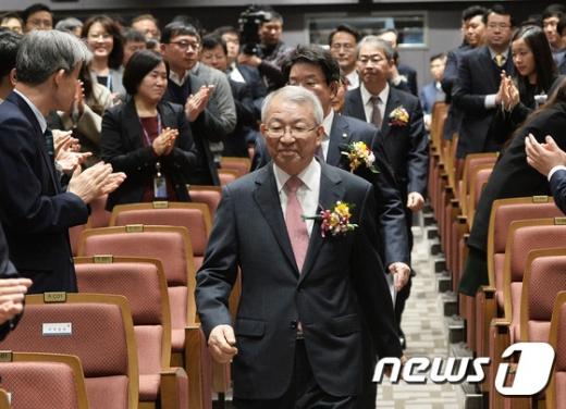 """양승태 대법원장 '법관회의 개최' 요구에 """"의견논의 최대지원"""""""