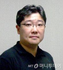 여론조사 전문기관 리얼미터 이택수 대표