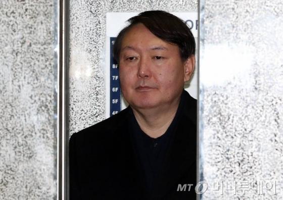 신임 서울중앙지검장에 임명된 윤석열 대전고검 검사./사진=이기범 기자