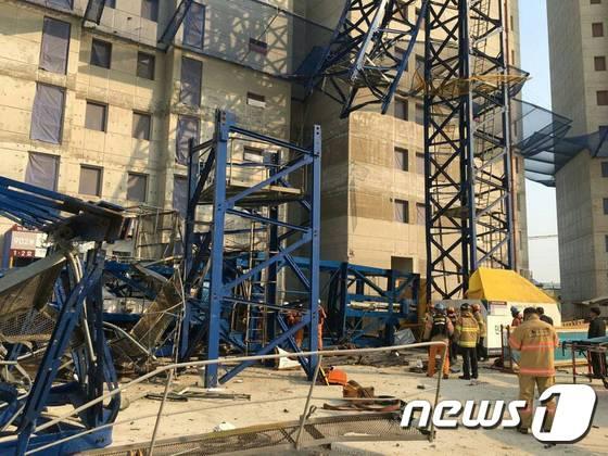 남양주 아파트 건설현장서 크레인 붕괴…사망자 3명
