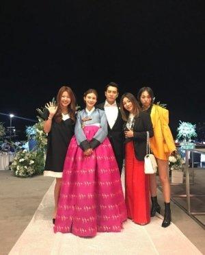 이윤미, 주상욱♥차예련 결혼식 인증샷…