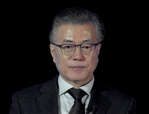 영화 '노무현입니다'에 등장하는 문재인 대통령 모습 캡처