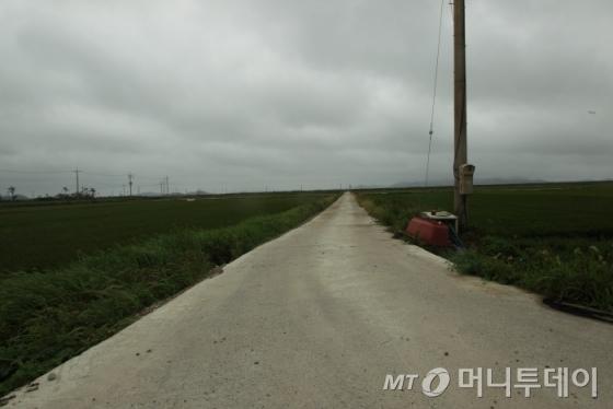 끝없는 길을 달려도 주민들을 만날 수 없었다./사진=이호준 시인·여행작가
