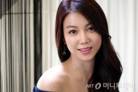 영화 '악녀'의 주인공 숙희 역을 맡은 배우 김옥빈.