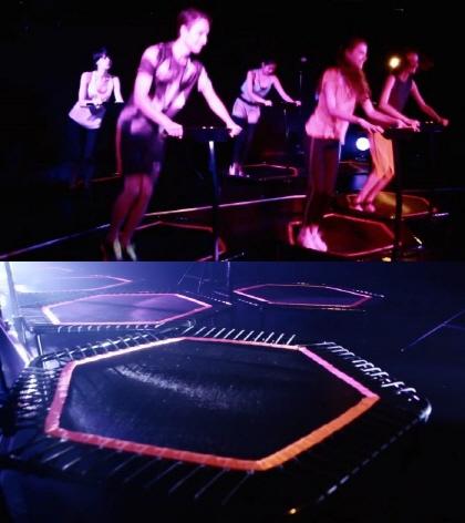 지난해 3월 일본서 문을 연 '점프원' 체육관. 어둠 속에서 트램펄린을 이용해 운동한다. /사진=점프원 홈페이지