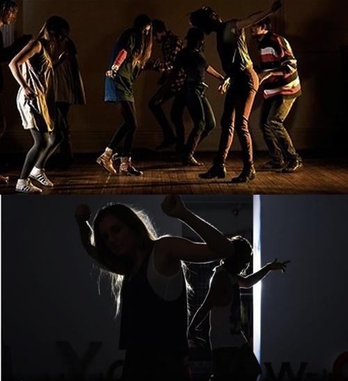 어두운 공간에서 남들의 시선을 의식하지 않고 춤을 추는 호주 운동 커뮤니티 '노라이트 노라이크라'./사진=NLNL 홈페이지.