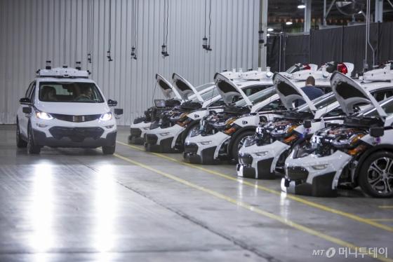 제너럴모터스(GM)가 대량 양산에 성공한 볼트 EV 자율주행 시험차량./사진제공=한국지엠