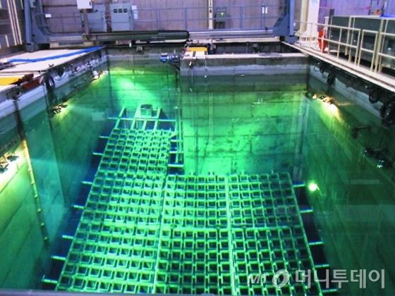 고리1호기 사용후핵연료 임시저장 수조 /사진제공=한국수력원자력