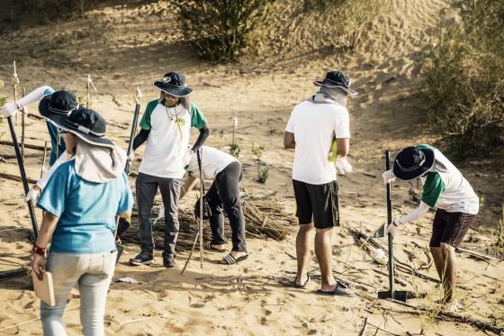 UN 청소년 녹색단, 미세먼지 잡으러 중국 쿠부치 사막간다