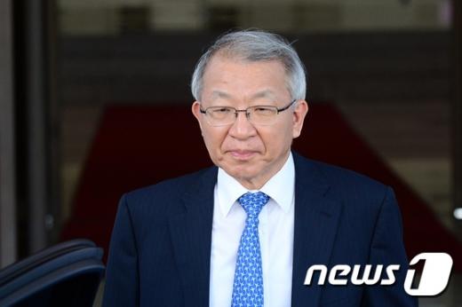 [사진]굳은 표정의 양승태 대법원장