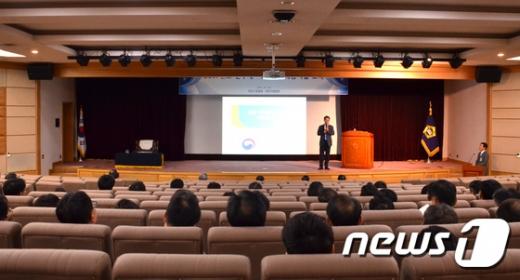 [사진]청렴특강 하는 박경호 국민권익위 부위원장
