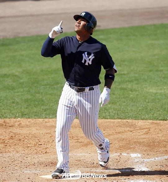 왼쪽 팔꿈치 인대접합수술(토미 존 수술)을 받게 된 양키스 최고 유망주 글레이버 토레스. /AFPBBNews=뉴스1<br /> <br />