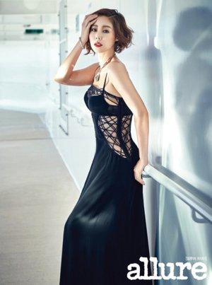 김성령, 파격 망사 드레스 '완벽소화'…