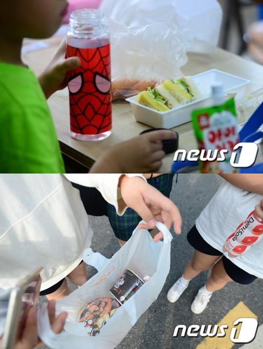 빵과 컵라면으로 점심식사를 하는 학생들 /사진=뉴스1