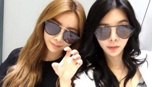 장재인·제아, 셀카로 우정 과시…보잉 선글라스 '눈길'
