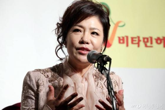 """'아모르파티' 김연자 """"연상 남자친구와 4년째 열애 중"""""""