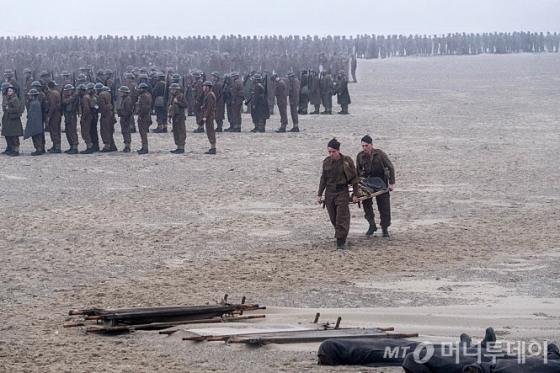 """전쟁 한 가운데 서 있는 느낌…""""숨 쉴 틈이 없다"""""""