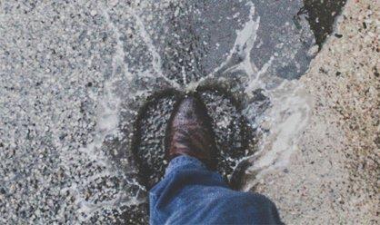 장마철 빨리 망가지는 구두…여름에 유용한 '구두 관리법'