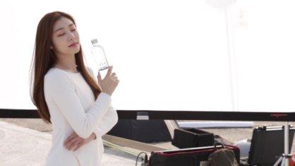 """김연아 새 광고 촬영 현장, 순백의 의상 입고…""""역시 여왕"""""""