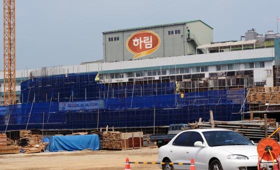 '하림'은 왜 김상조의 첫 '타깃'이 되었나