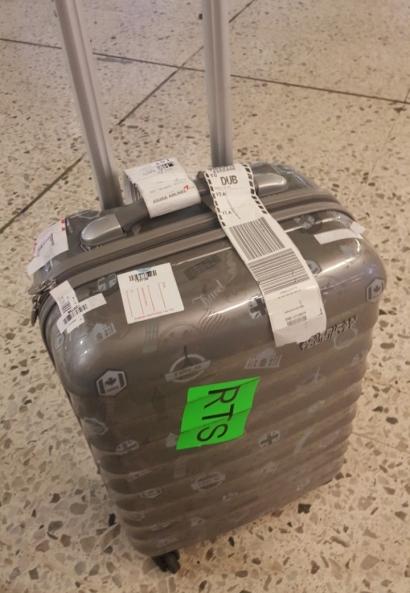 홀로 터키-런던-더블린을 떠돌다 드디어 주인 품에 안긴 일행의 캐리어/사진=이영민 기자