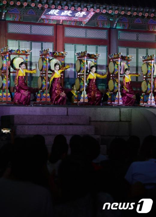 [사진]경복궁에서 즐기는 화려한 무대