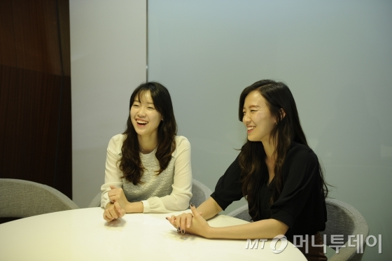 삼성엔지니어링에 근무 중인 현지윤(왼쪽)·정윤 자매/사진제공=삼성엔지니어링