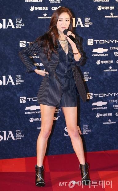 '스타일 아이콘 어워드 2014' 레드카펫 행사에 참석한 가수 지나./사진=이동훈 기자