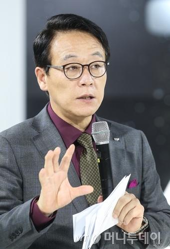 김영식 GM코리아 캐딜락 총괄사장이 14일 서울 논현동 캐딜락하우스 서울에서 열린 'CT6 터보' 출시 행사에서 발언하고 있다./사진=GM코리아