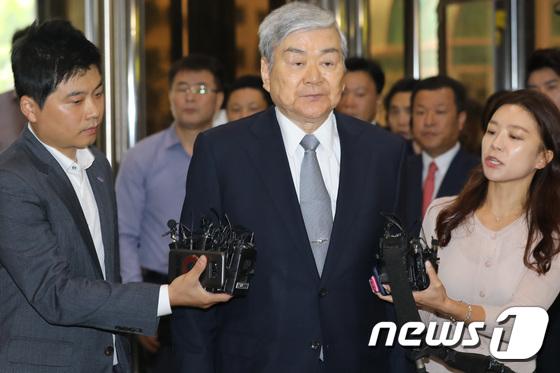 """'자택공사 비리혐의' 조양호 회장 """"조사 성실히 임할 것""""(종합 ..."""
