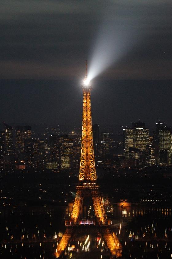 몽파르나스 타워에서 바라본 에펠탑과 파리 야경