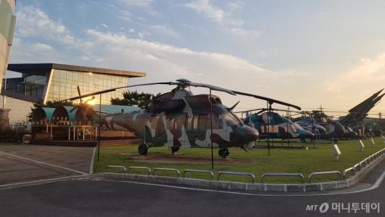 경남 사천 한국항공우주산업(KAI) 본사에 전시된 '수리온' 헬기. /사진=강기준 기자.