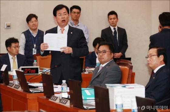 [사진]이만희 '세월호 최초 보고서 조작 발표는 검증 필요'