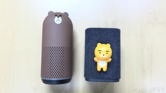 프렌즈 스피커(왼쪽)와 카카오 미니.