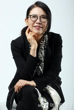 올해 데뷔 45주년을 맞은 가수 정미조. /사진=임성균 기자<br />