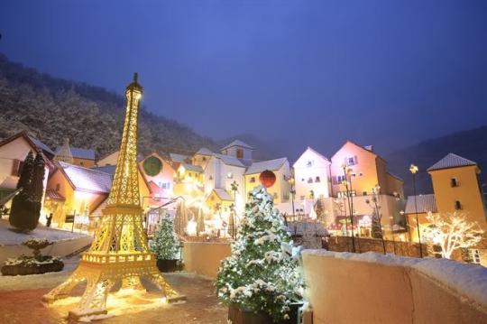 어린왕자가 수놓는 별빛축제…겨울 '쁘띠프랑스'의 매력