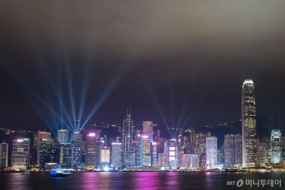 지난 1일부터 새롭게 단장한 홍콩 '심포니 오브 라이트' 쇼. /사진제공=홍콩관광청