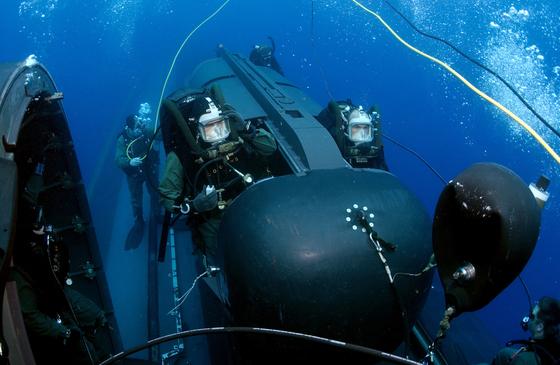 사진은 미 해군이 공개한 네이비실 요원들의 훈련 모습. /사진=미 해군 제공