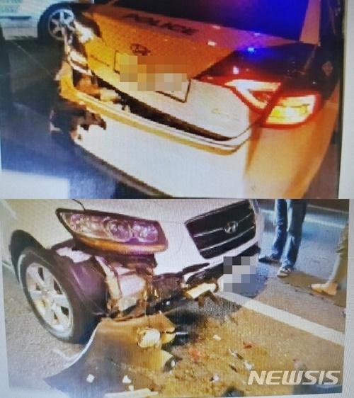 8일 오전 0시55분쯤 충북 청주시 주중동에서 A씨(42)가 몰던 차량이 신호대기 중인 청원경찰서 오창지구대 순찰차를 들이받았다. /사진=뉴시스(독자 제공)